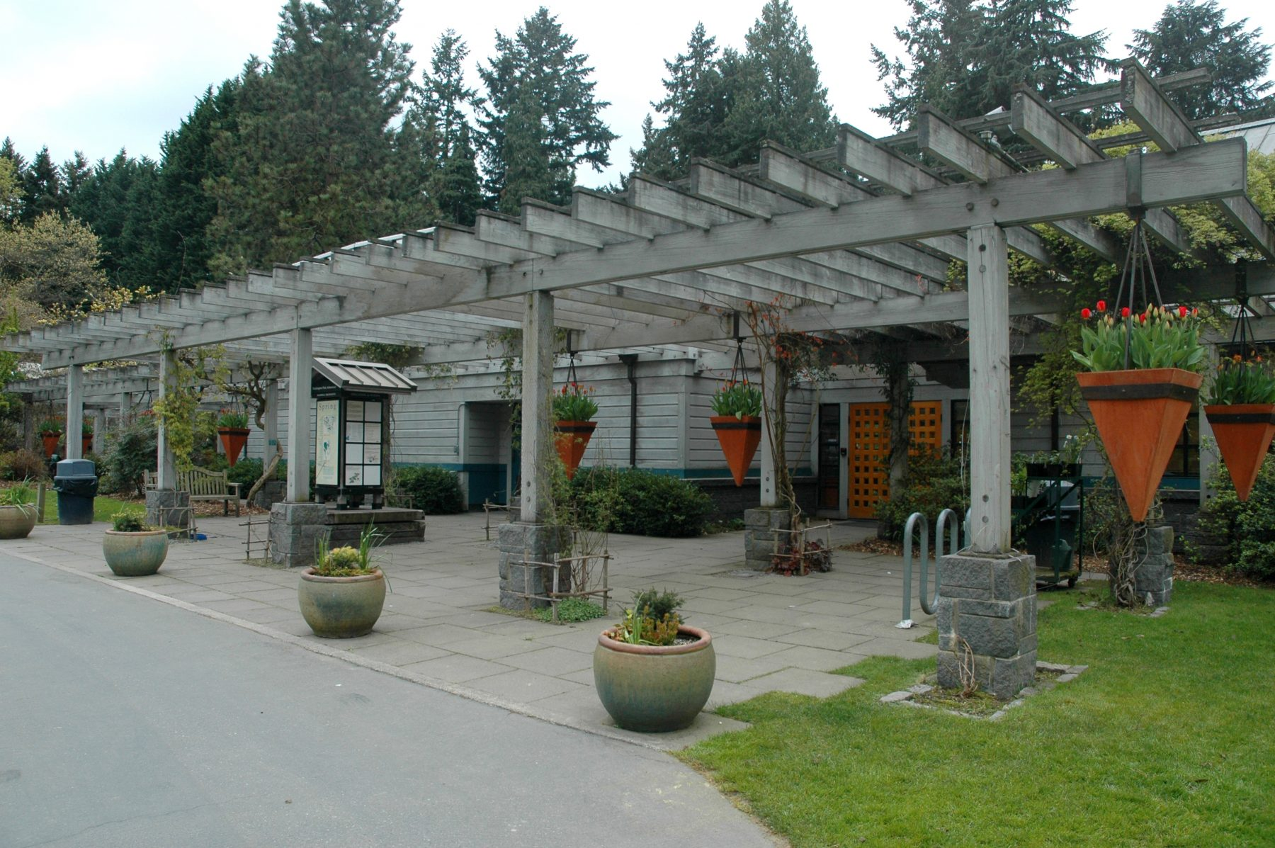 Photo of entrance of Graham Visitor Center