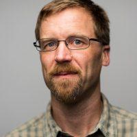 Associate Professor Jonathan Bakker