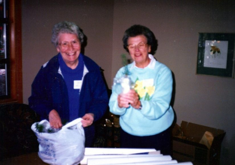1987 photo shows Virginia L. Morell (right) and Jean L. Haigh (left)