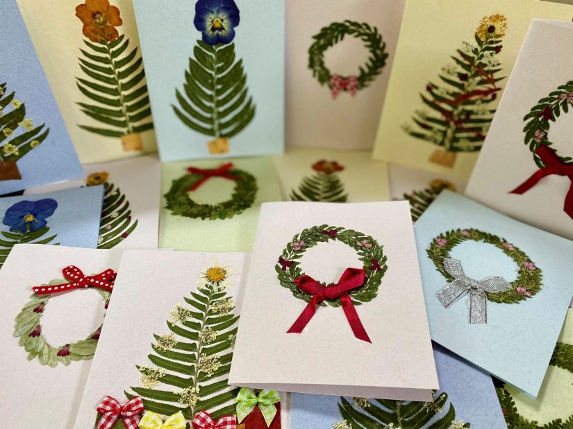 holiday greeting cards with pressed flowers